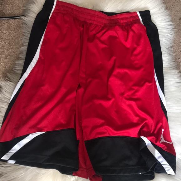 66387974f004b2 Jordan men s size xl red black basketball shorts